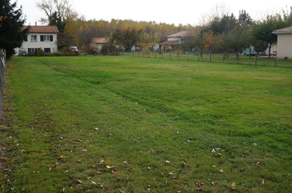 PORCHERES – Terrain à bâtir 848 m² – Secteur urbanisé résidentiel