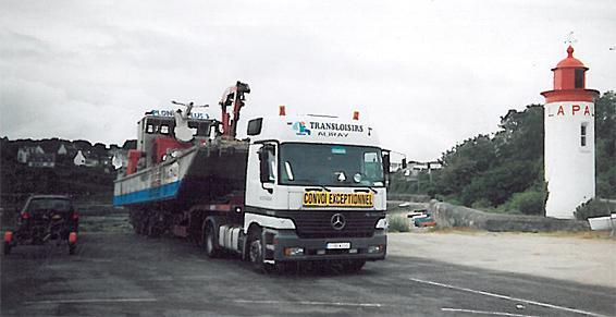 Transport de barge ostréicole