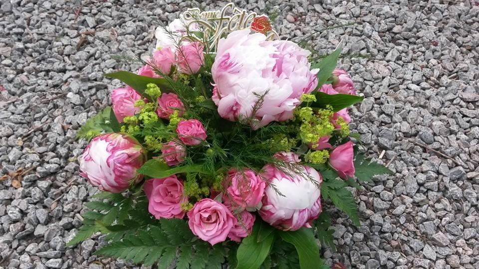 Composition florale pivoines - Acacia Fleurs - Fleuriste Cannes
