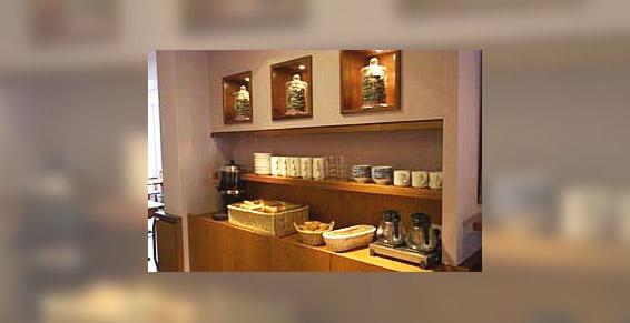 Buffet du petit-déjeuner à l'hôtel de la Rade à Brest