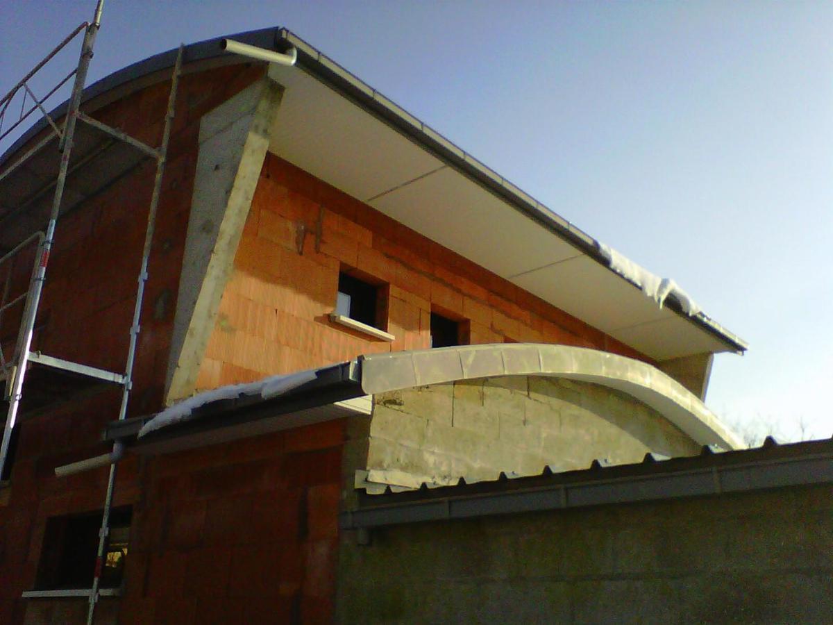 Débord de toit en PVC