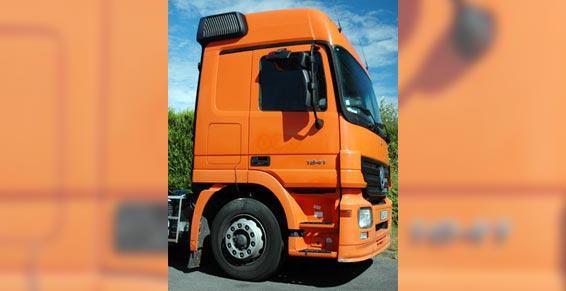 électricité automobiles - cabine de camion