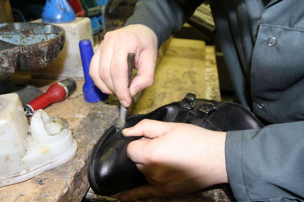 Retouche chaussures - Cordonnerie Multiservices en Seine-Saint-Denis
