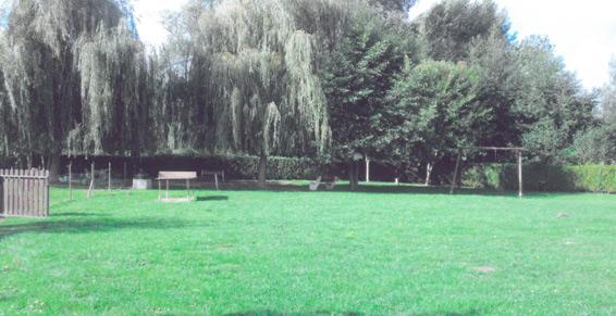 Cimetière Animalier à Ribemont-sur-Ancre - Campings