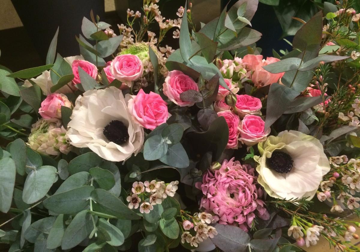 Anemones  et roses