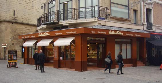 Menuiserie métallique - façade de boulangerie 57