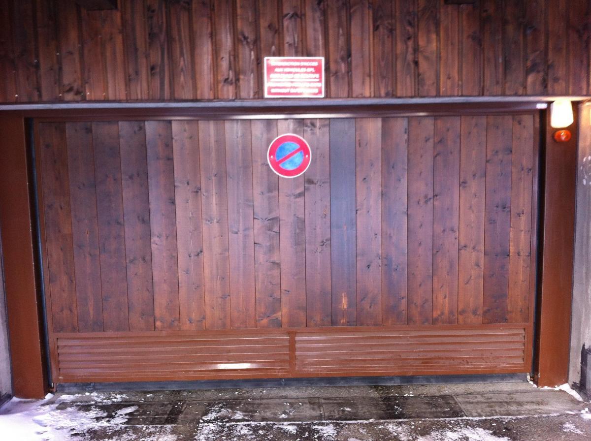 Société AES - Porte de Garage - 73