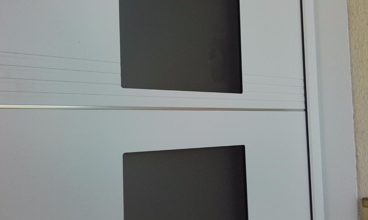 Détail de la porte d'entrée Studio K-Line