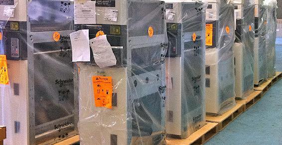 RCT Logistique, spécialisé en manutention d'onduleurs et batteries.