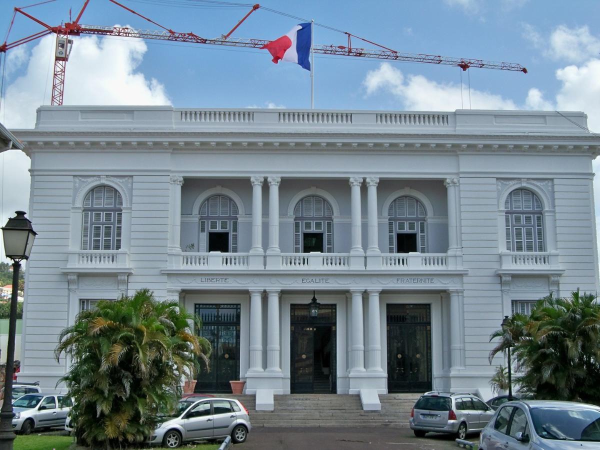 La Préfecture de Fort de France avec NSPM Ravalement de façades
