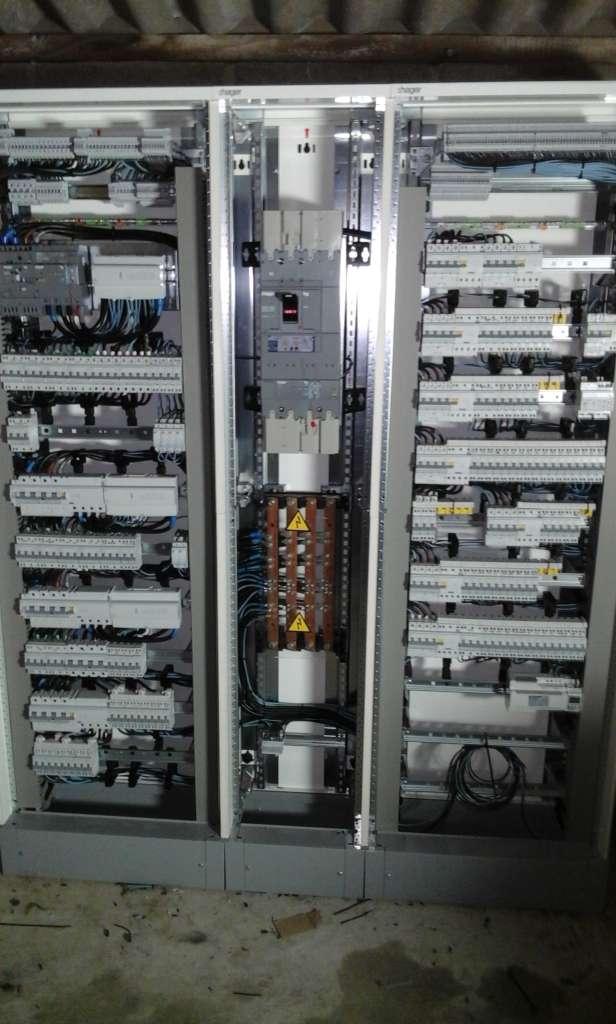 Travaux d'électricité dans un restaurant près de Calais.jpg