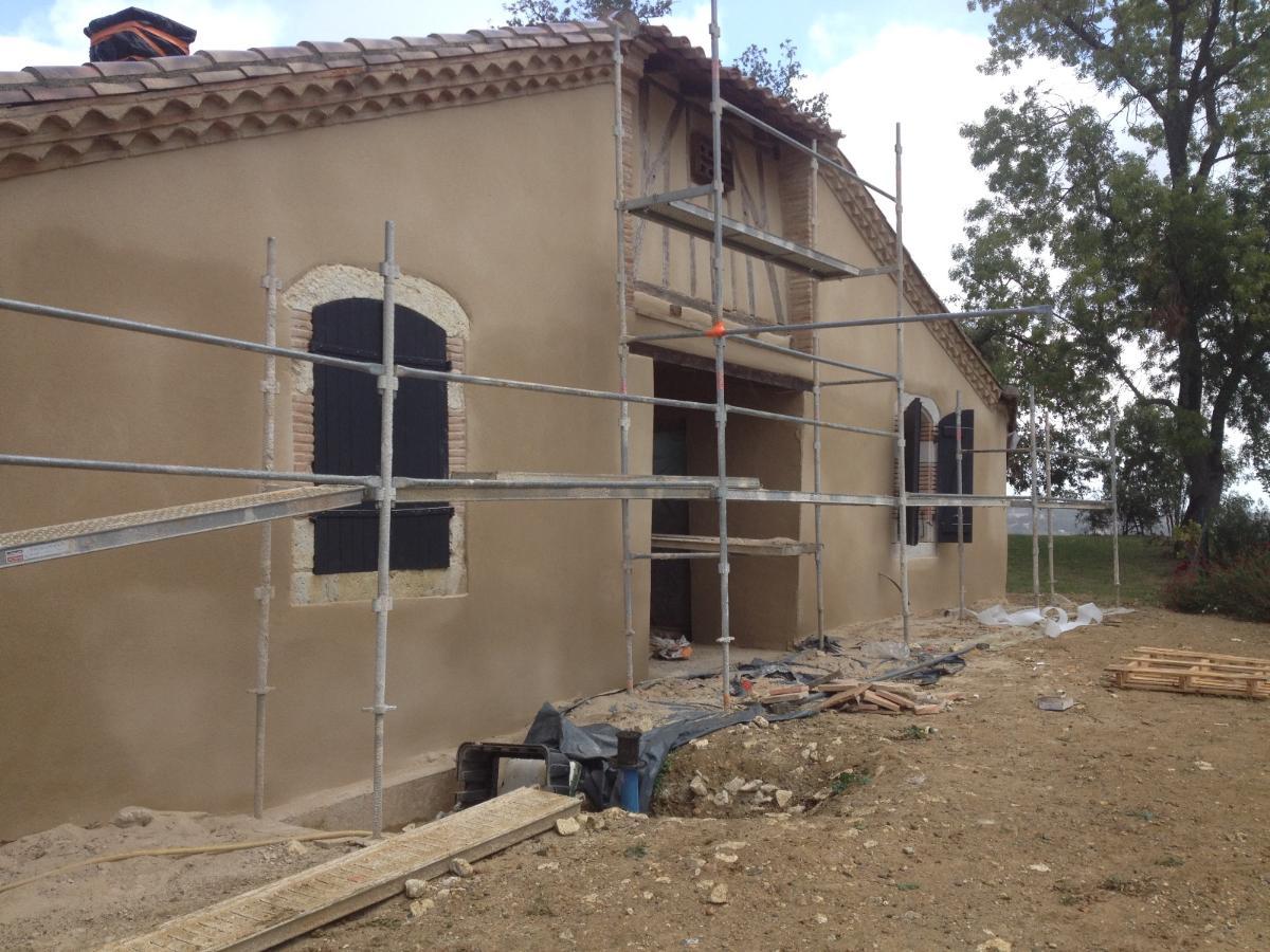 Rénovation de façade, crépi, près de Montauban (82) Lorenzo Project, façadier
