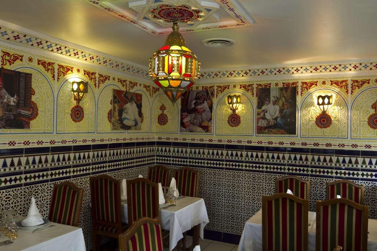 Un décor traditionnel restaurant marocain La Tour du Maroc Villebon
