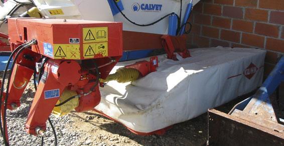 Matériel Agricole - Faucheuse KUHN GMD 602 pendulaire