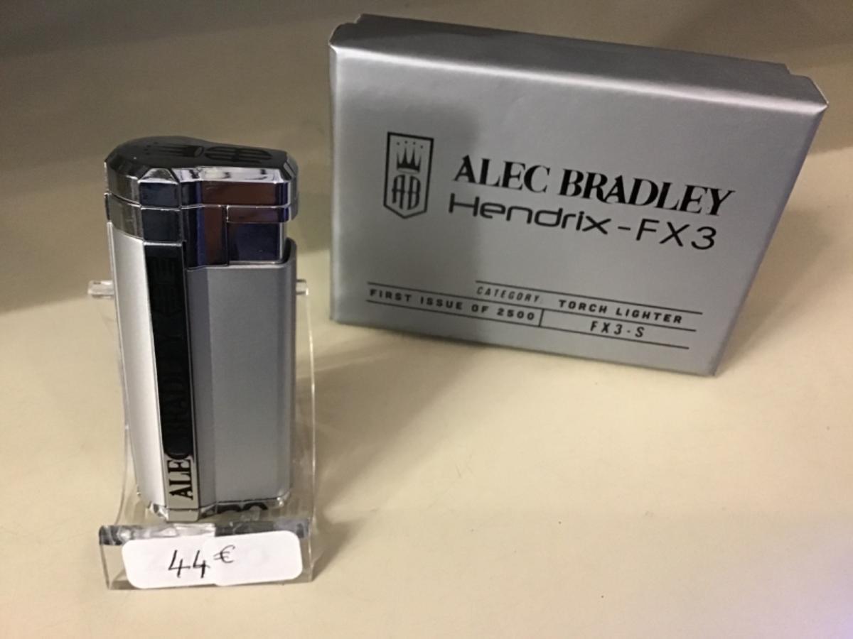 Alec Bradley Hendrix FX3