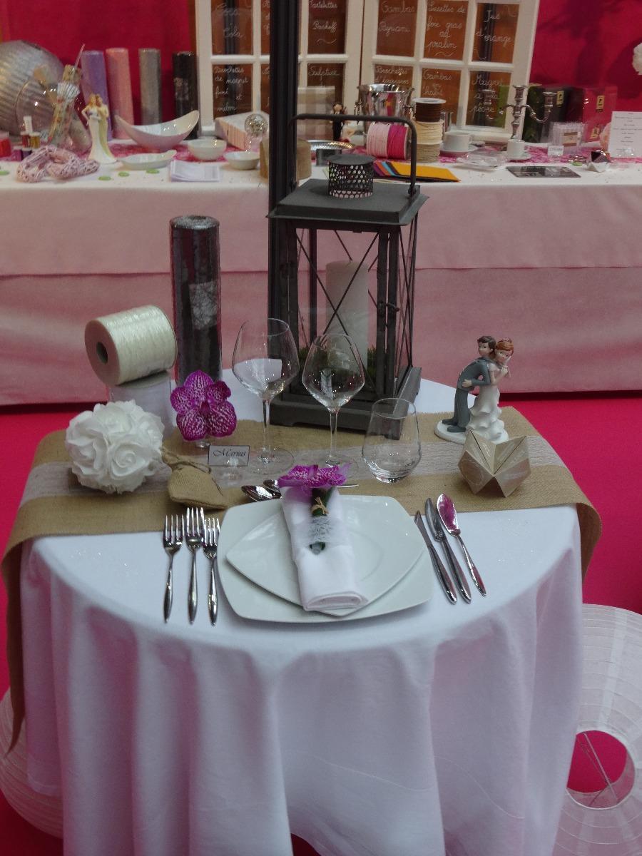 Assiettes carrées blanche,Couverts Orénok,verres dégustation
