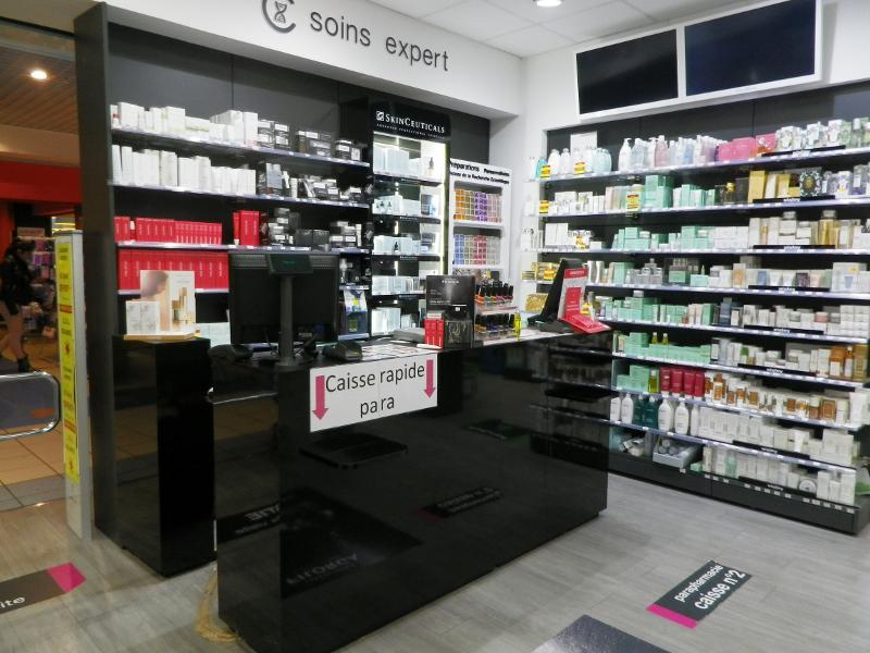 Pharmacie Golfe de Saint-Tropez.JPG