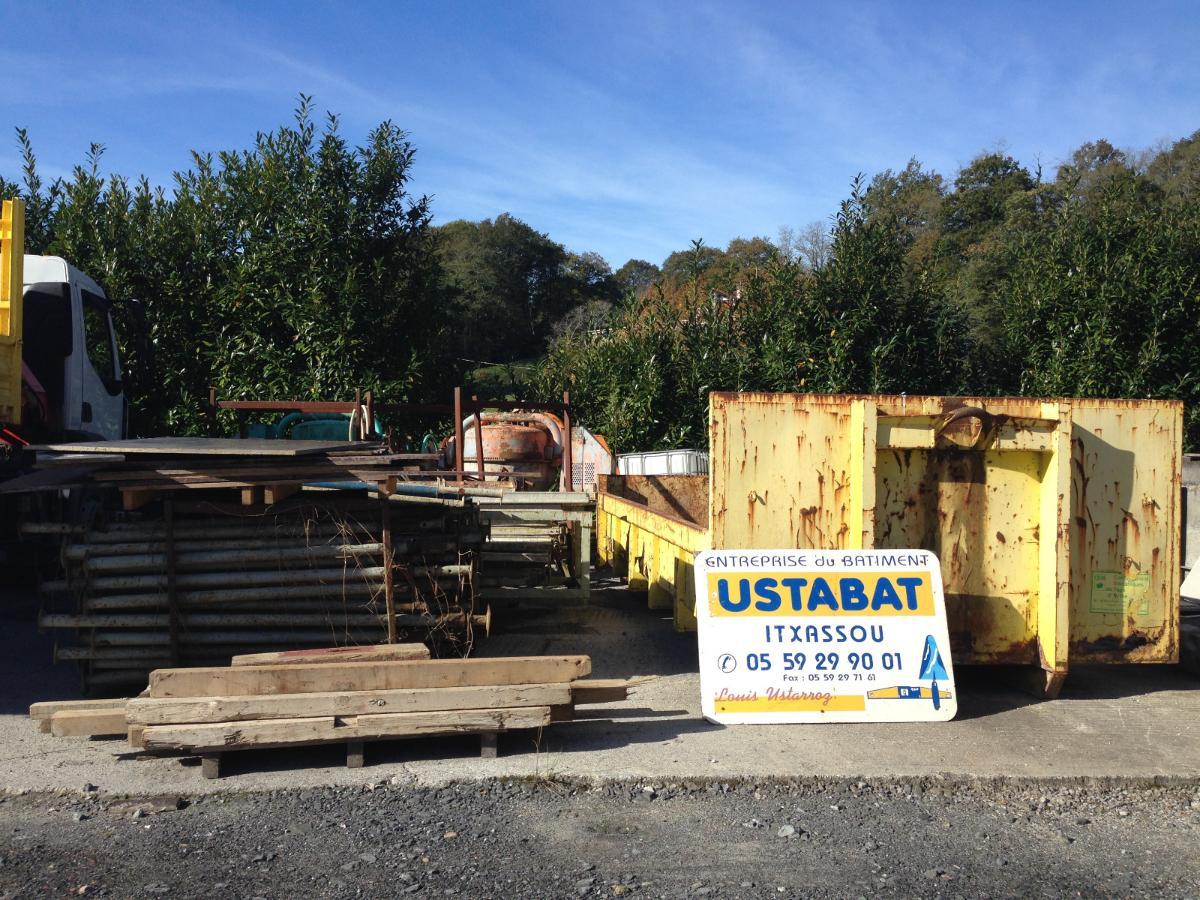 USTABAT location de benne avec chauffeur  à Cambo les Bains