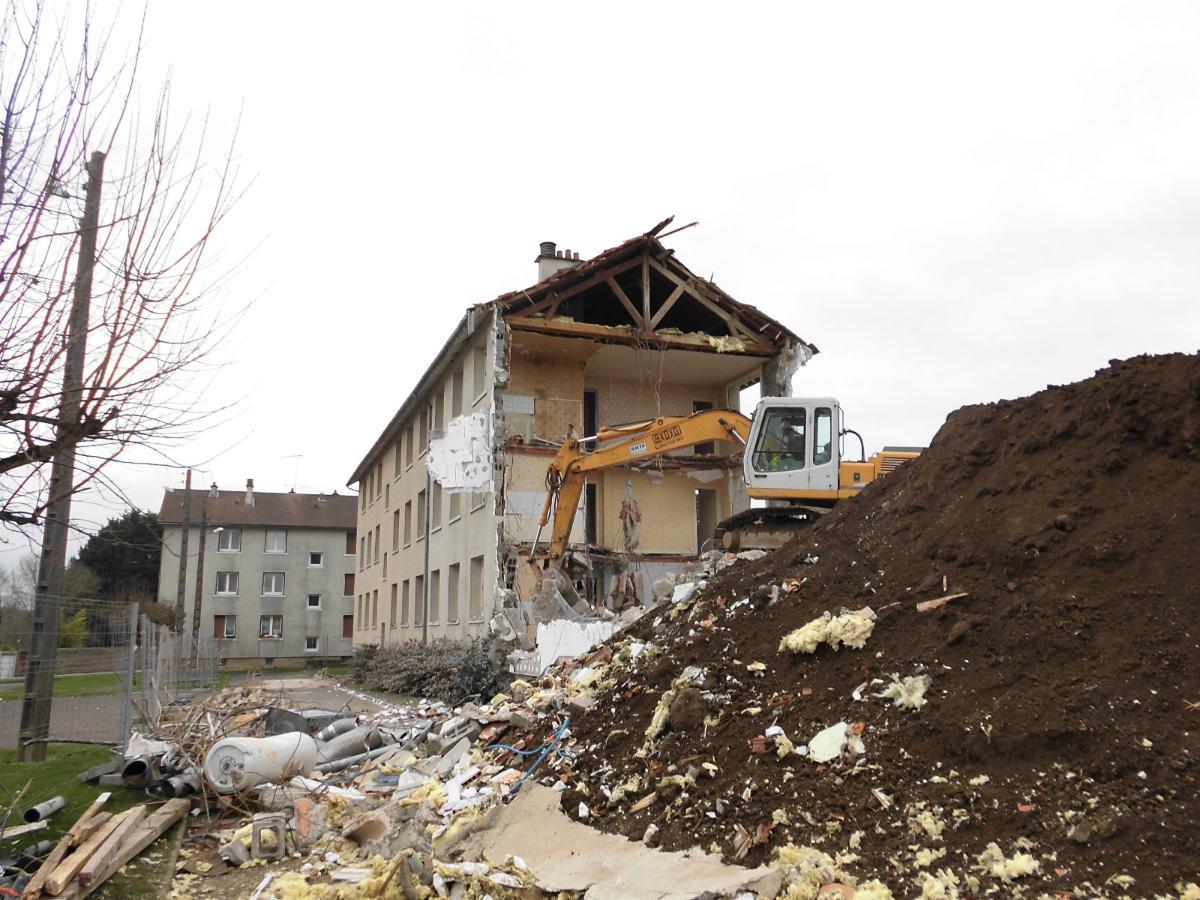 Démolition de bâtiment à Chateauponsac 87
