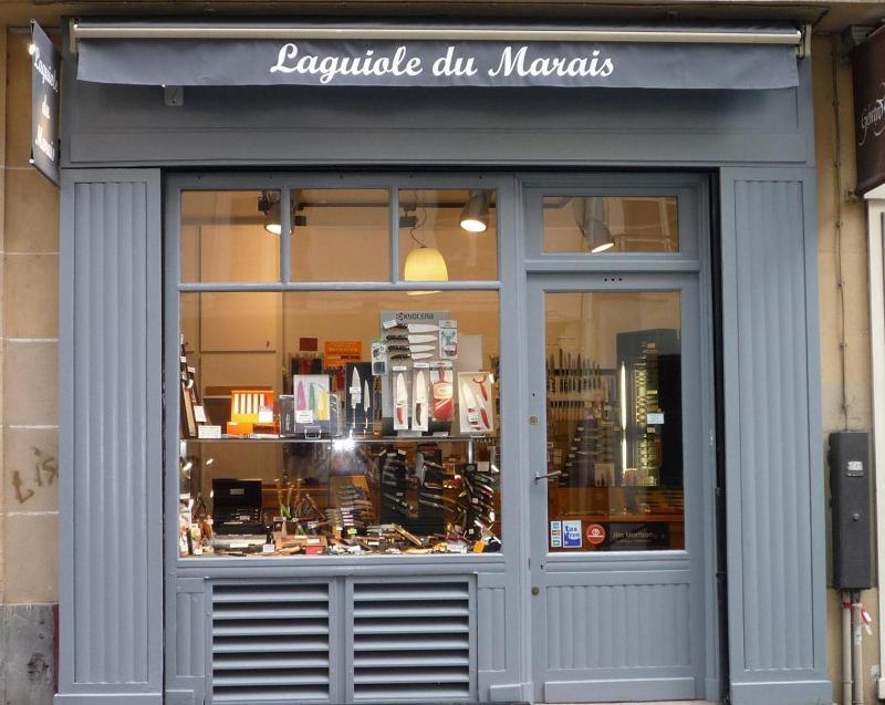 Devanture de la boutique du Laguiole du Marais à Paris