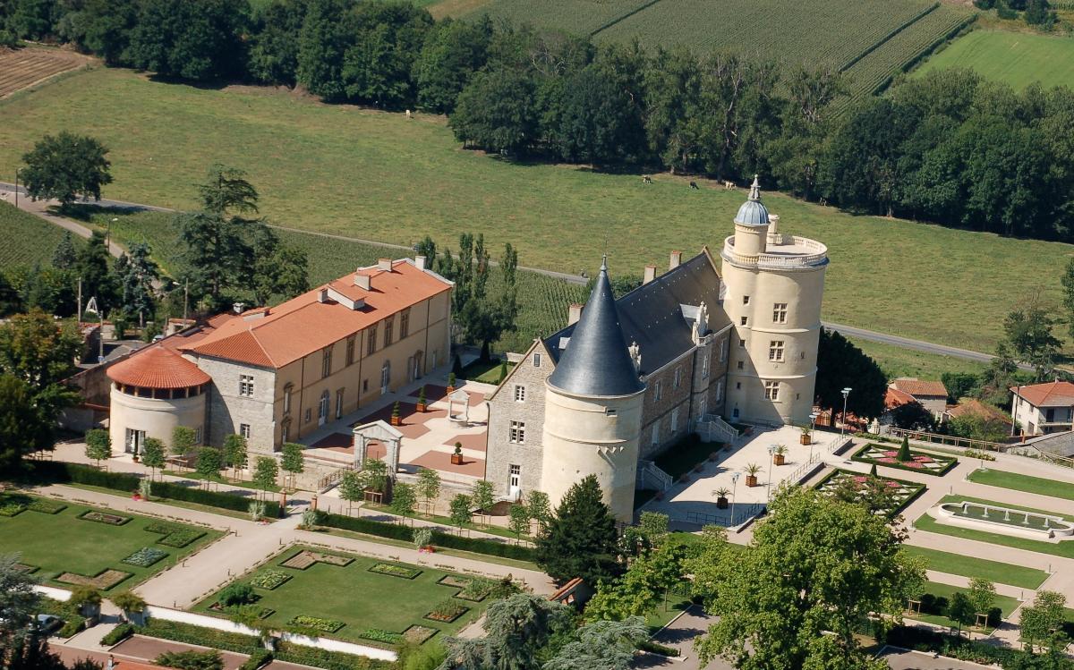 Vue aérienne Château de Bouthéon Loire