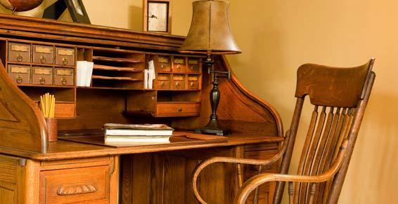 objets d'art - bureau en bois
