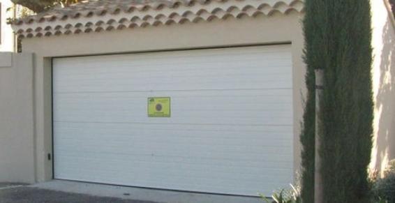 Porte de garage sécurisée avec Brennus à Avignon