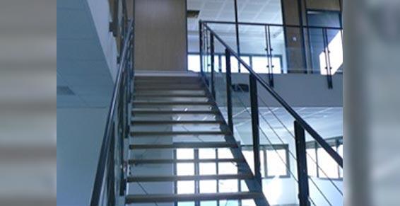 Midi Métal - Ferronnerie d'art - escalier en métal