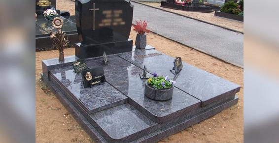 Haguenau - Monuments funéraires