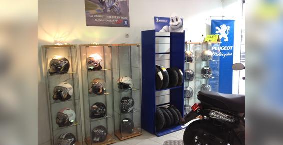 Les Cycles du Bouscat - vente accessoire casques, blousons.