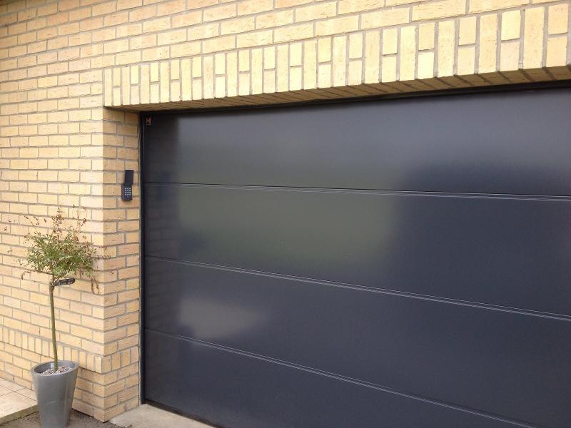 porte de garage sectionnelle motorisée entre Hazebrouck, Dunkerque et