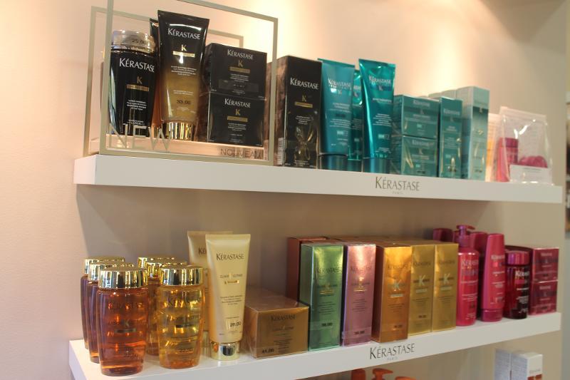 Vente de produits d'entretien des cheveux au salon de coiffure à Niort