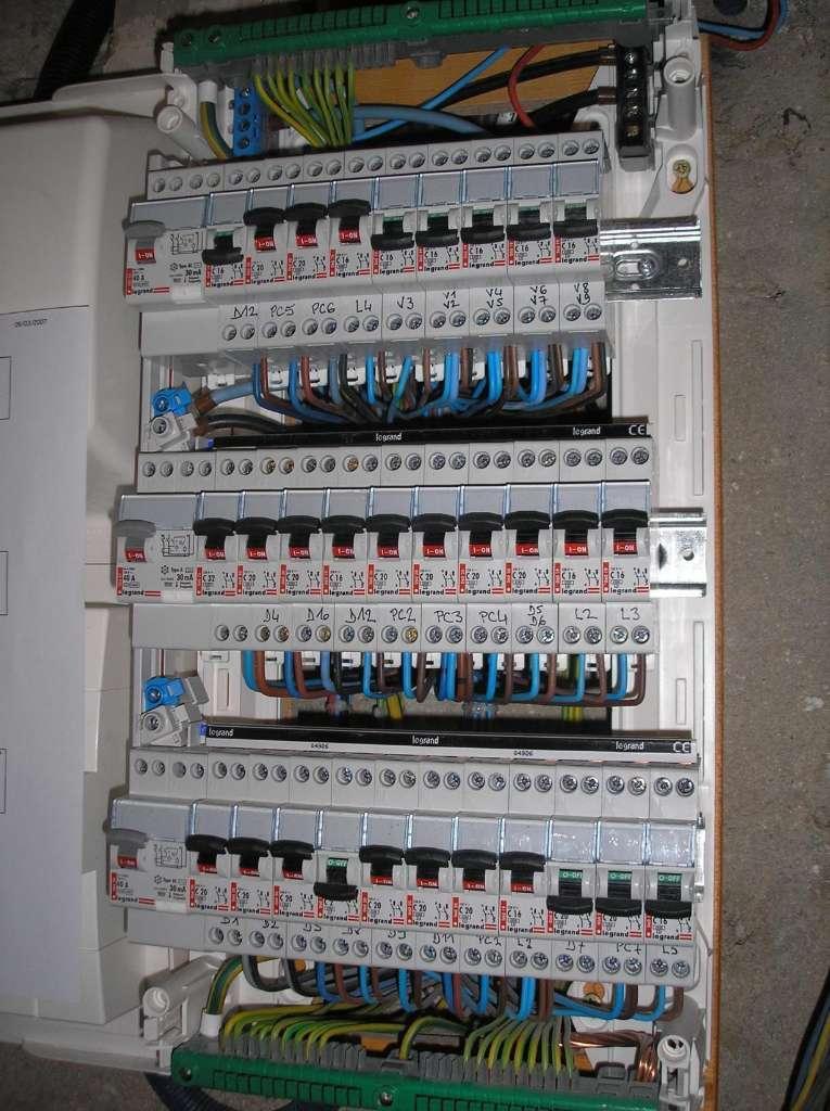 Installation de tableau électrique à Paris 17