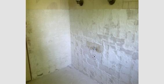 Salle de bain en cours de rénovation Ste Le Bras (33)