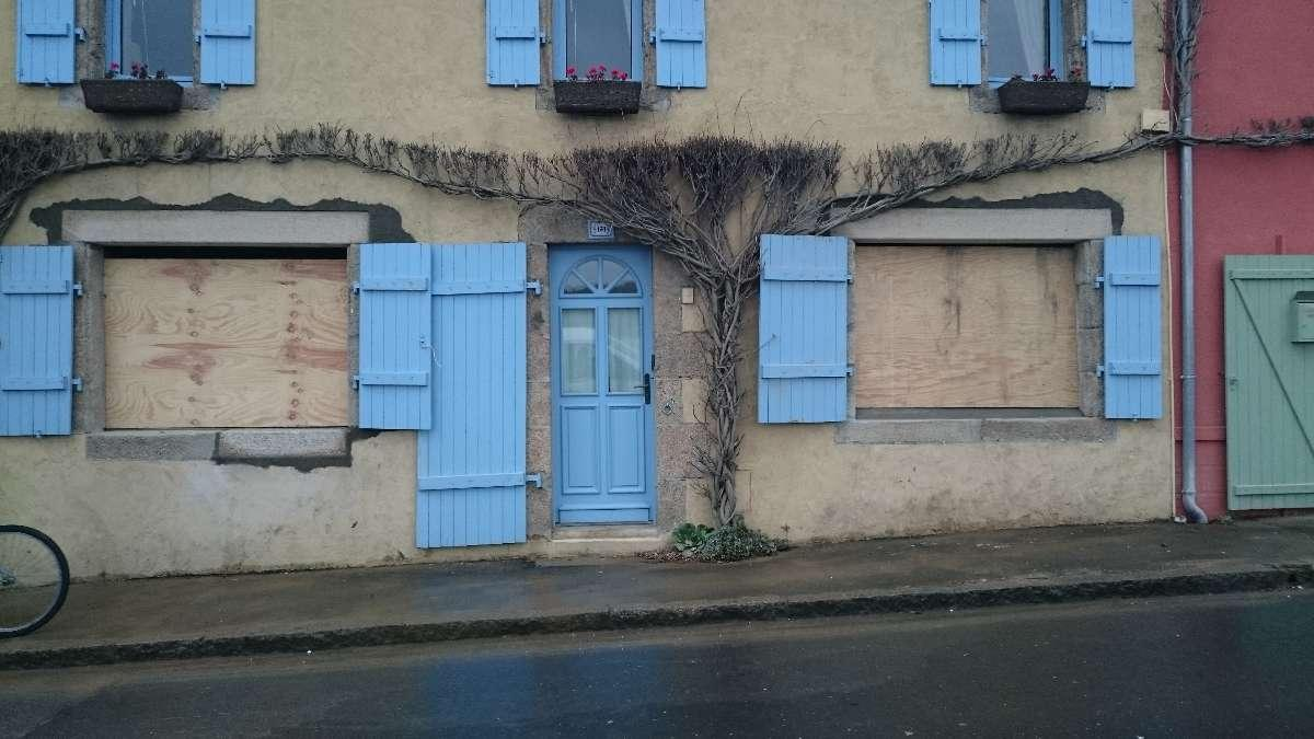 rénovation d'une ancienne maison : ouverture maison fenetres .JPG